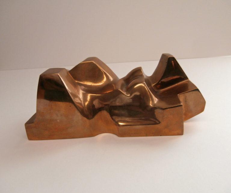 Pierre Schumann Carrara liegend weiblich Bronzeskulptur
