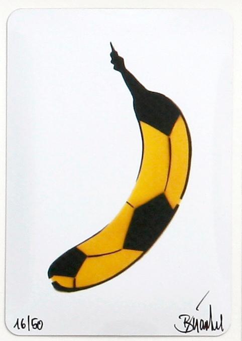 Thomas Baumgärtel Bananensprayer Art in Box: Fussballbanane