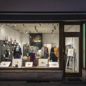 boutique lassy fair stellt Janosch Bilder aus